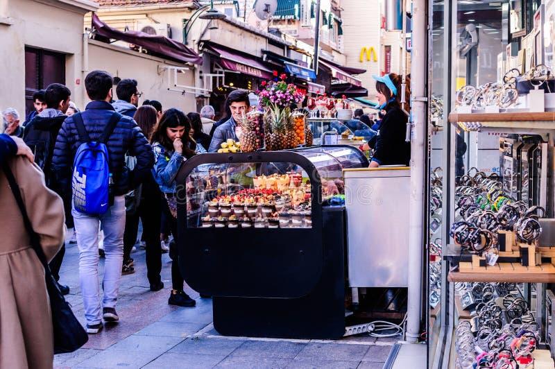 Vendeur de bonbons à Smoothie dans la ville d'Istanbul - Turquie image libre de droits