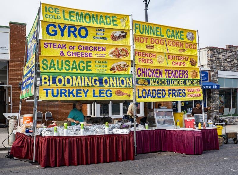 Vendeur de nourriture chez Vinton Dogwood Festival image libre de droits
