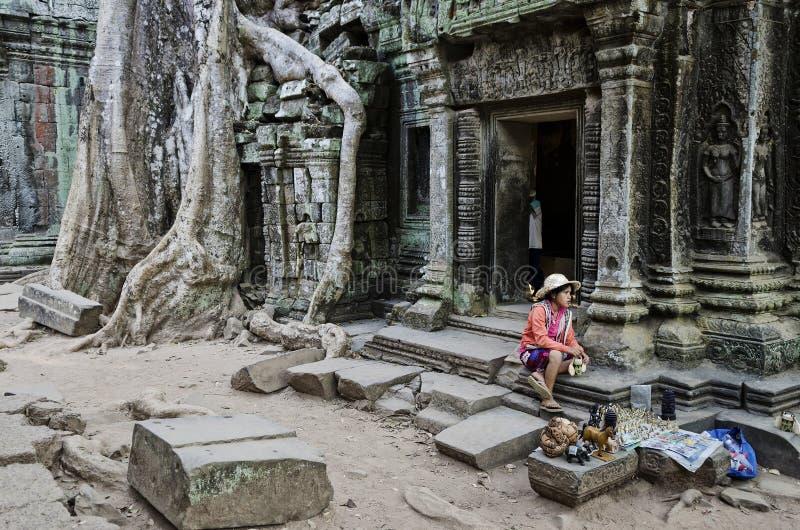 Download Vendeur De Stalle De Bibelot De Souvenir Dans Le Cambod Célèbre De Temple D'Angkor Vat Image éditorial - Image du ruines, bouddhiste: 76076450