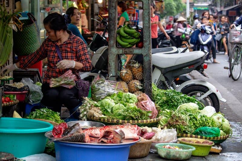 Vendeur Hanoï Vietnam de marché en plein air photographie stock