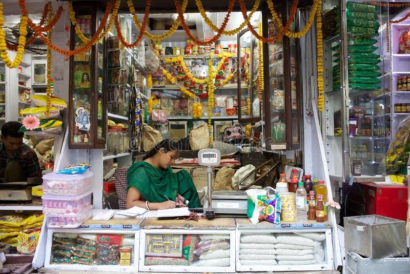 Vendeur indien au marché, Kolkata, Inde photographie stock