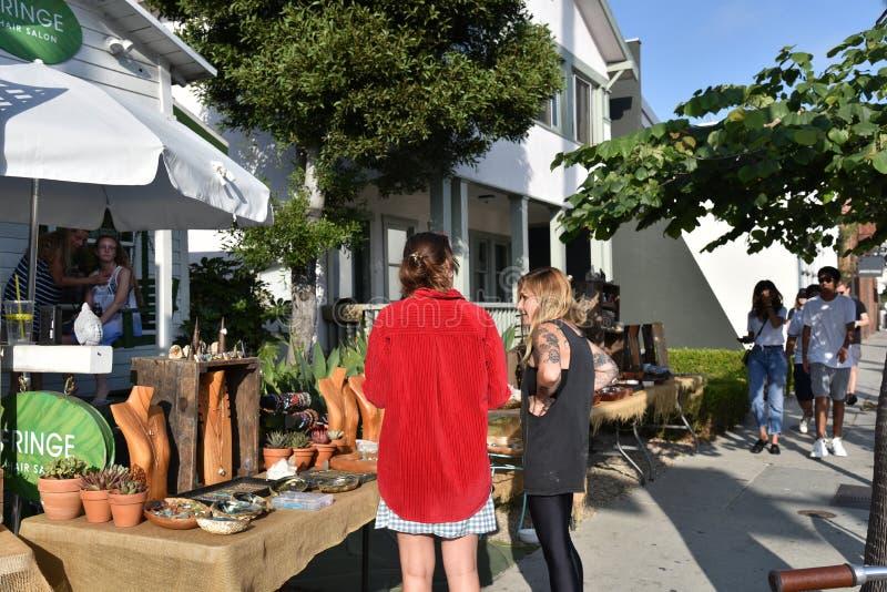 Vendeurs d'artisan sur Abbot Kinney Blvd photo libre de droits