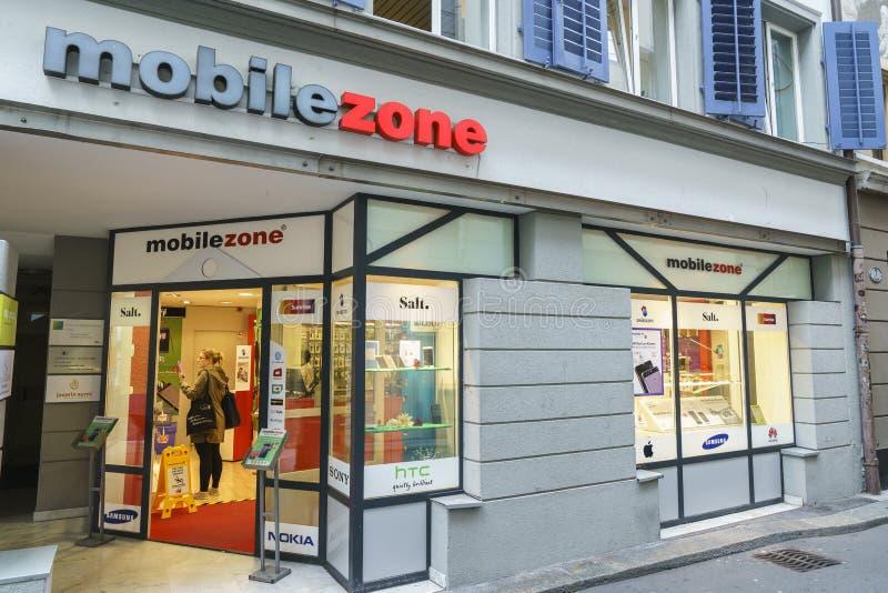 Vendita al dettaglio in Lucerna, Svizzera di comunicazioni di Mobilezone fotografie stock