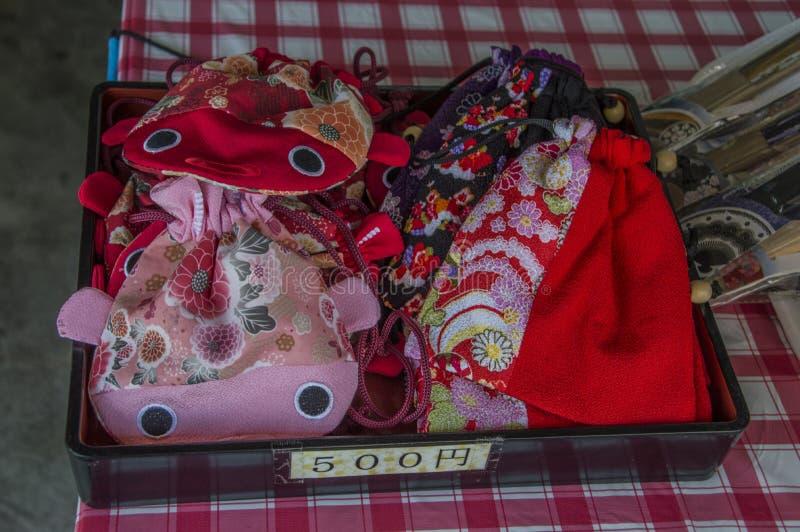 Vendita delle borse giapponesi fotografia stock