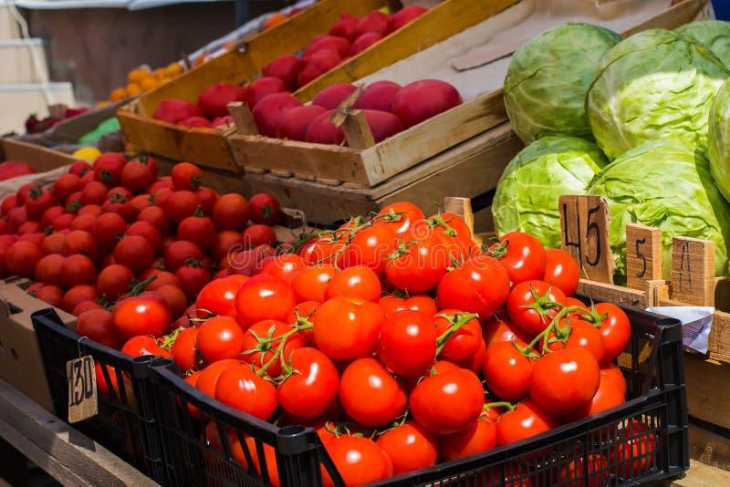 Vendita delle verdure sulla via fotografie stock libere da diritti