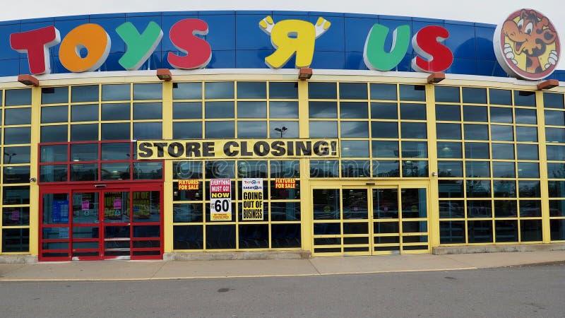 Vendita di chiusura di liquidazione del deposito di Toys R Us fotografie stock