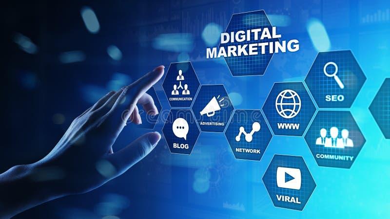 Vendita di Digital, pubblicità on line, SEO, SEM, SMM Concetto di Internet e di affari immagini stock
