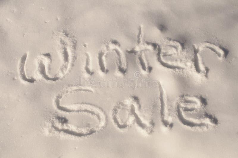 Vendita di inverno nella neve immagini stock