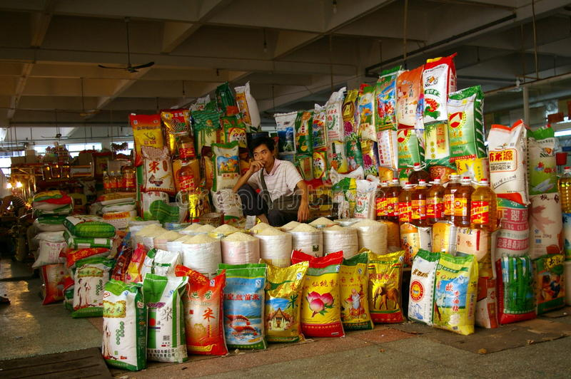 Venditore ambulante cinese del riso nel servizio immagini stock libere da diritti