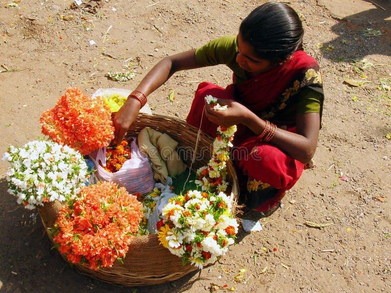 Venditore indiano del fiore fotografie stock libere da diritti