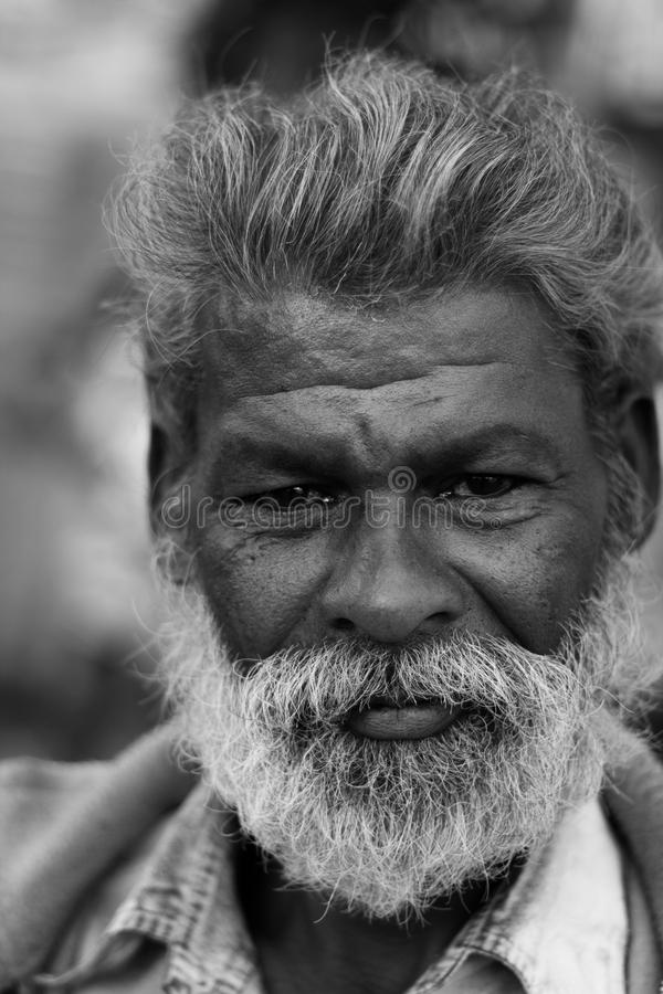 Venditore locale delle pantofole della scarpa in India immagini stock libere da diritti