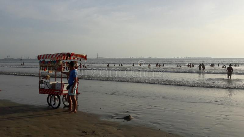 Venditore in spiaggia di sabbia, Spagna immagine stock libera da diritti