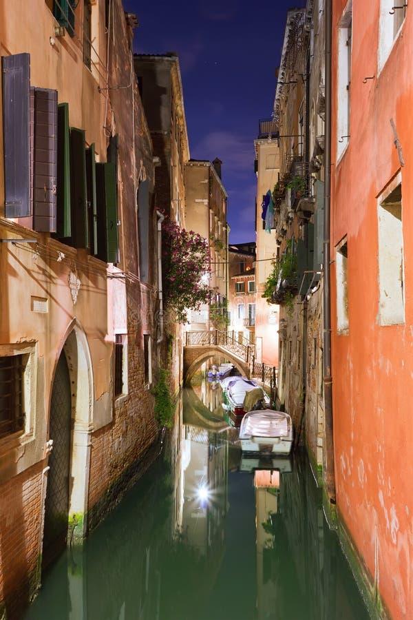 Venecia en la noche fotos de archivo