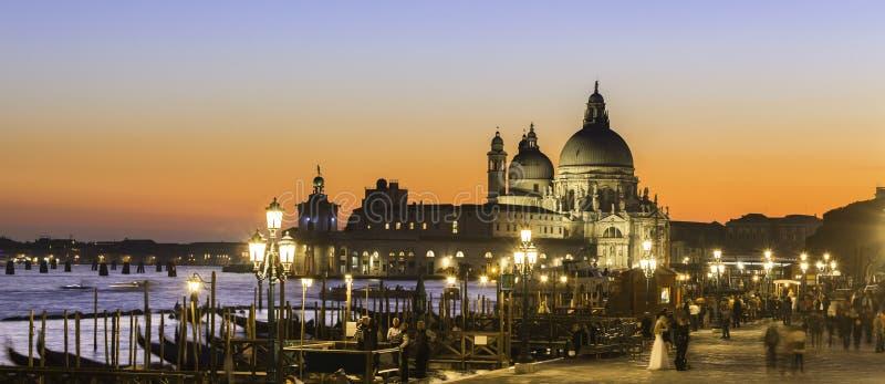 Venecia en puesta del sol fotos de archivo