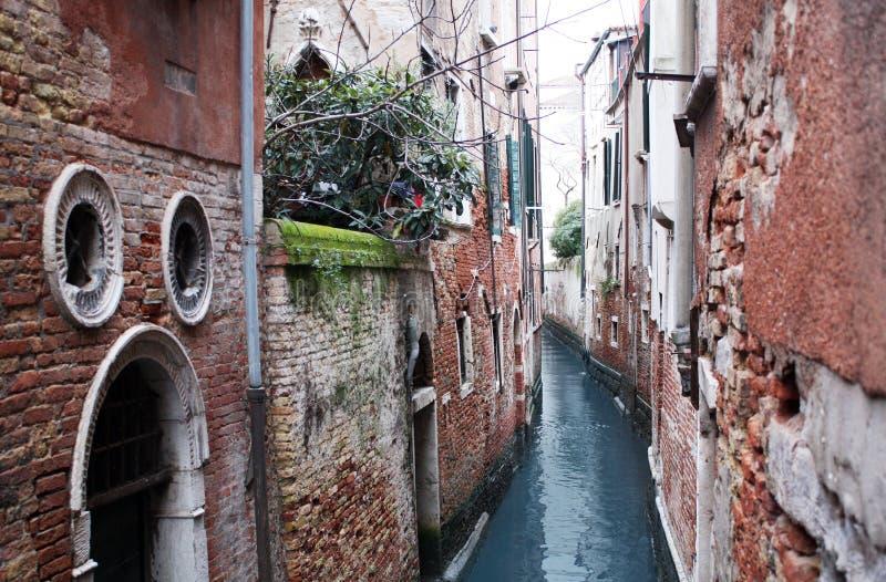 Venecia, Italia - 2 de febrero/2018 Vista del canal En febrero de 2018 Configuración veneciana imagen de archivo