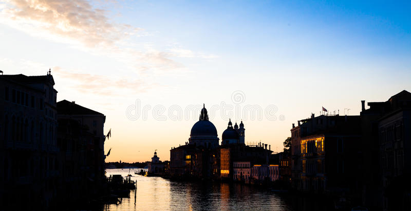Venedig-Ansicht bei Sonnenaufgang stockfotos