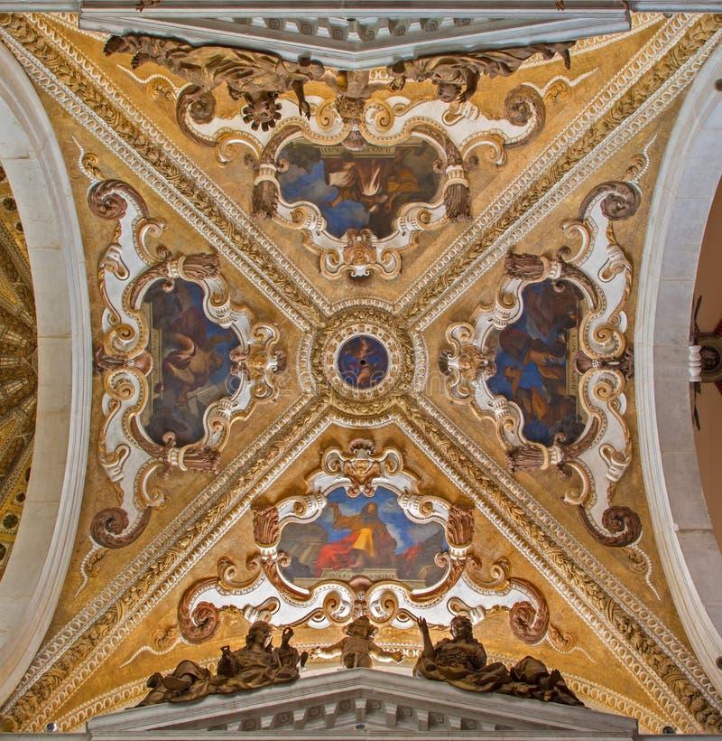 Venedig - barocke Kuppel der Seitenkapelle in Kirche Basilikadi-San Giovanni e Paolo. stockbild