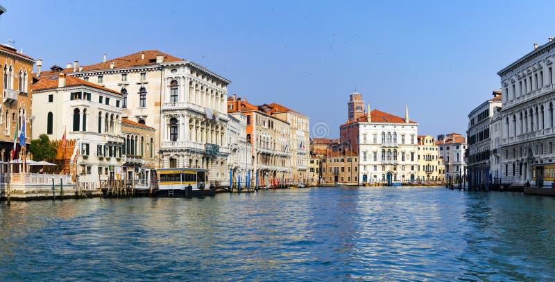 Venedig-Canal Grande oder Kanal groß, Ansicht nahe Accademia-Brücke stockfoto