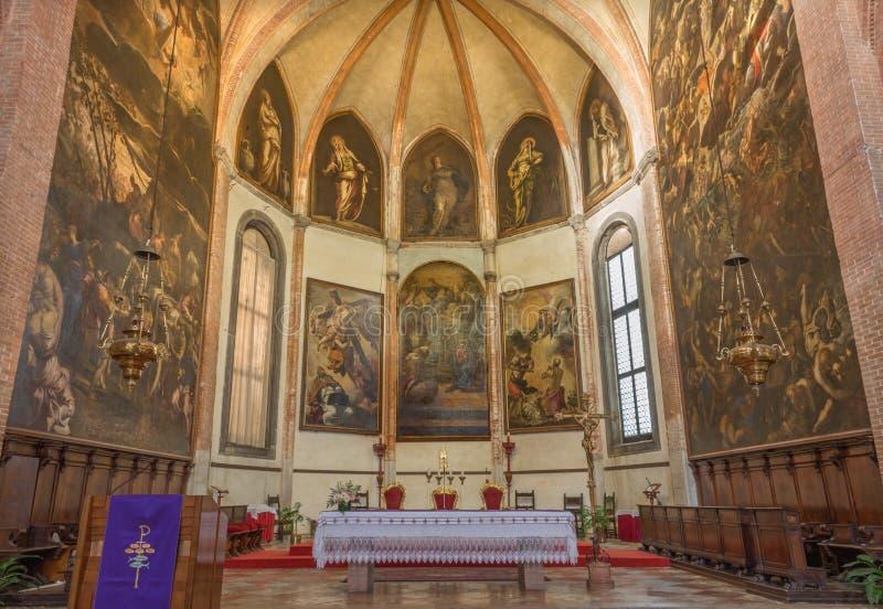 Venedig - den sista domen 1563 av Jacopo Robusti Tintoretto i presbyterium av den kyrkliga Santa Maria dellen Orto royaltyfri foto
