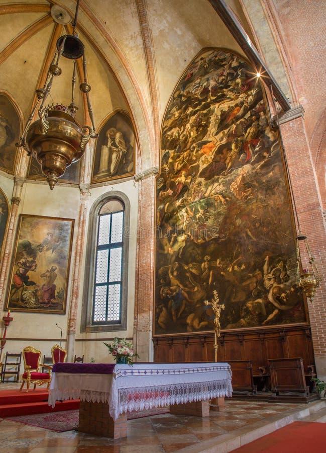 Venedig - den sista domen (1563) vid Jacopo Robusti (Tintoretto) i presbyterium av den kyrkliga Santa Maria dellen Orto royaltyfri bild