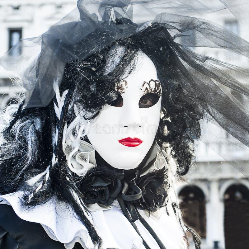 Venedig Italien - Februari 5 2018 - maskeringarna av karnevalet 2018 royaltyfri foto