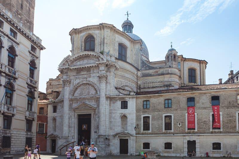VENEDIG, ITALIEN - 15. JUNI 2016 Aussicht auf die Kirche San Geremia am San Geremia Platz lizenzfreie stockfotos