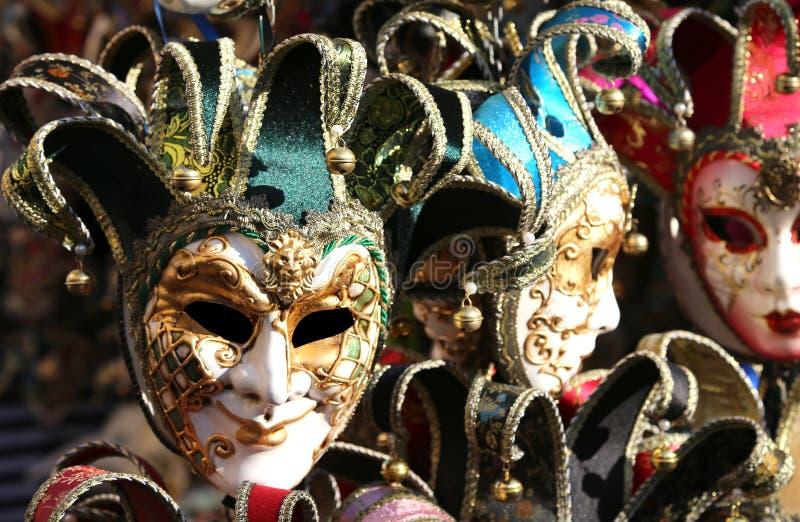 Venedig Italien karnevalmaskering som är till salu i shoppa royaltyfri bild