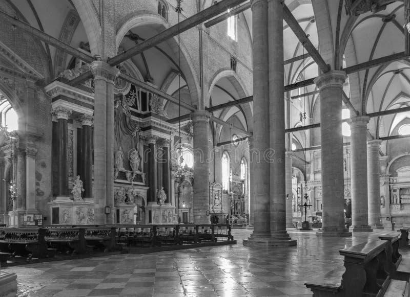 VENEDIG, ITALIEN - 12. MÄRZ 2014: Innenraum von Basilikadi San Giovanni e Paolo stockfotografie