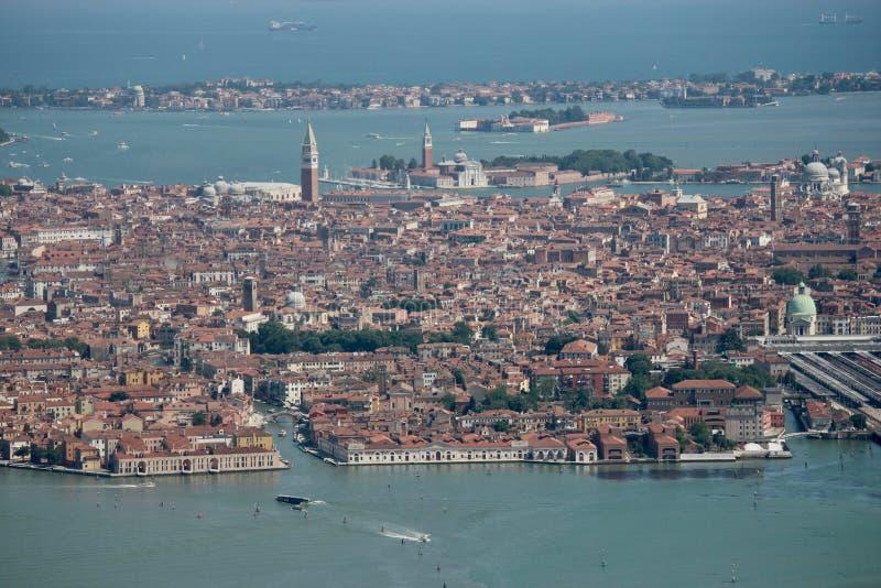 Venedig Italien, panorama från luften arkivfoton