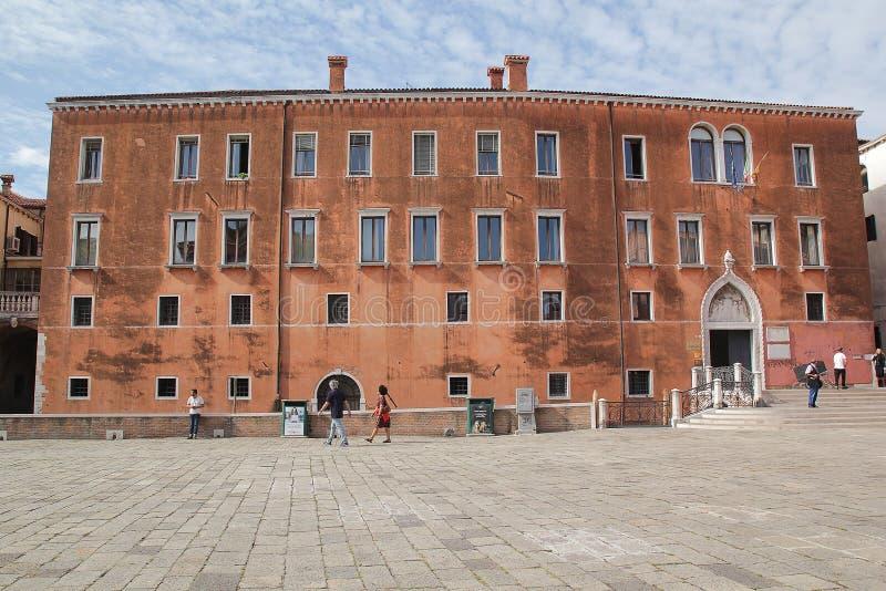 Venedig, Italien - September 04,2017: Schöne und bunte Häuser an Venedig-Stadt mit blauem Himmel und Wolke stockbilder