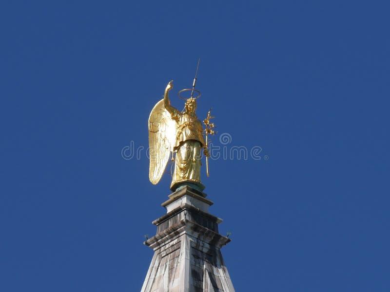 Venedig - klockatorn i San Marco den kyrkliga domkyrkan royaltyfri bild