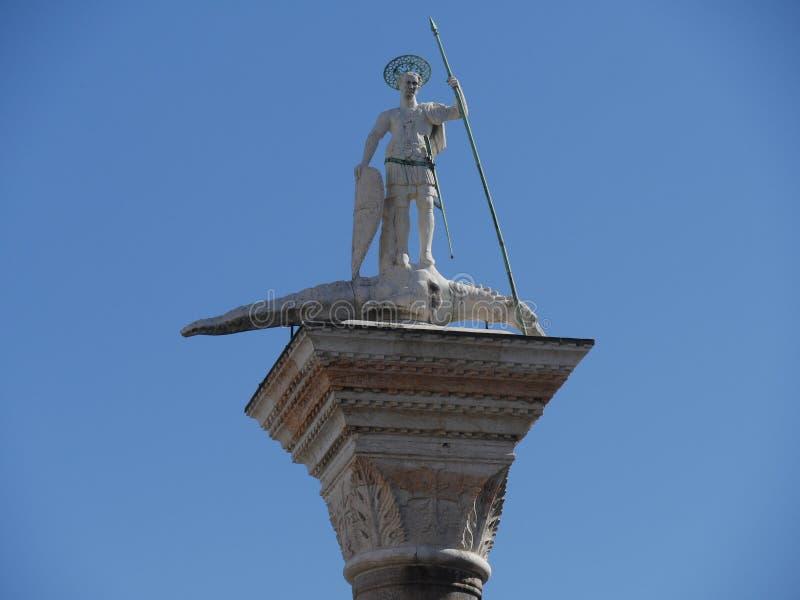 Venedig - kolonner i den San Marco fyrkanten royaltyfri fotografi