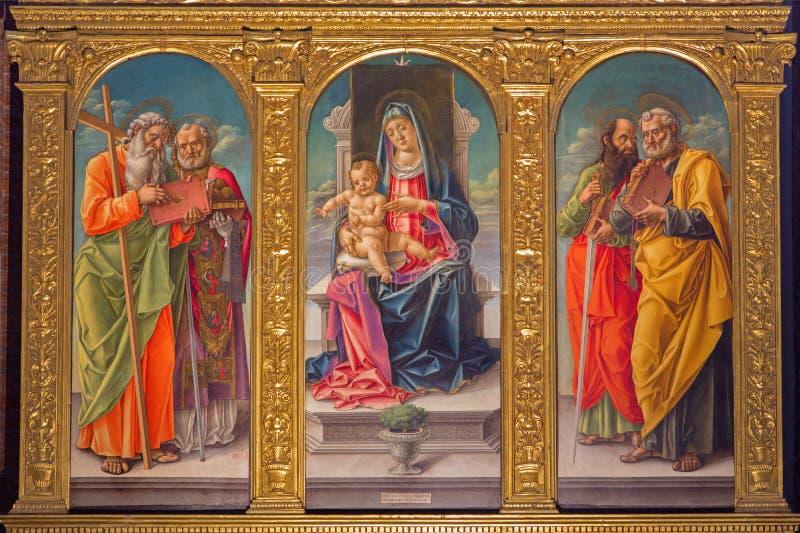 Venedig - Madonna auf dem tron und Heilige durch Bartolomeo Vivarini (1430 - 1499) in Cappella Bernardo und churc lizenzfreie stockfotos