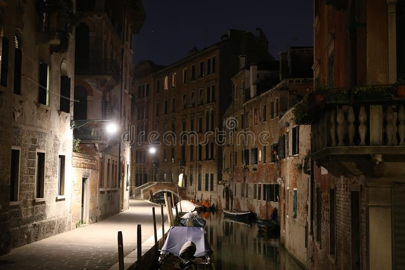 Venedig nattsikt, Italien royaltyfri foto