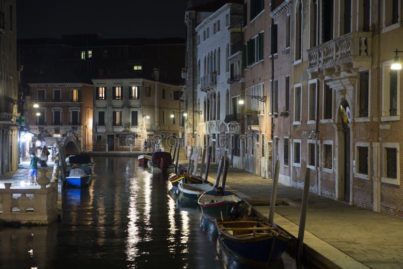 Venedig nattsikt, Italien royaltyfri fotografi