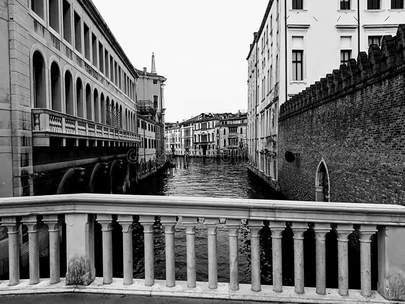 Venedig på bron fotografering för bildbyråer
