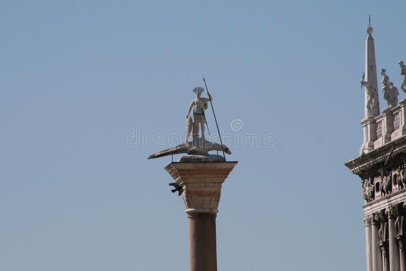 Venedig San Teodoro kolonn arkivfoto