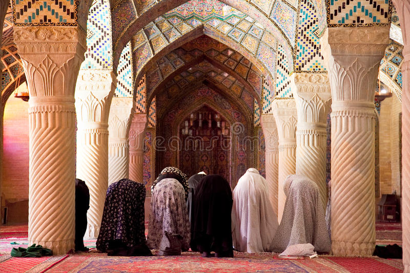 Venerdì musulmano prega nella preghiera Corridoio immagine stock libera da diritti