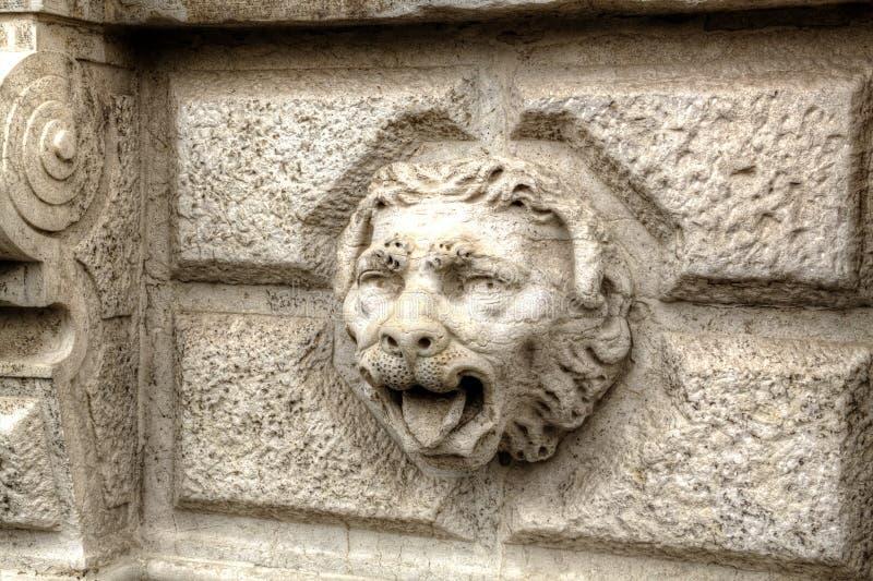 Venetaian lejon för dekorativ huvudsten arkivfoton