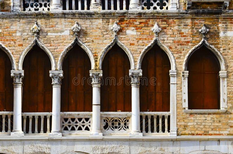 Venetië: Barok Venster stock fotografie