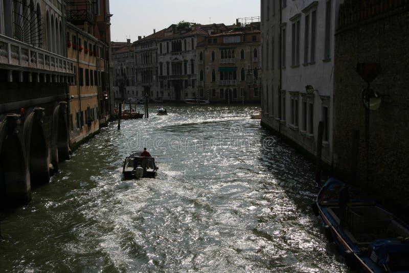Venetië, boten op het kanaal royalty-vrije stock afbeeldingen