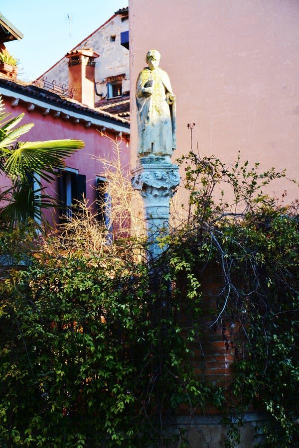 Venetië en klein beeldhouwwerk, Italië stock foto