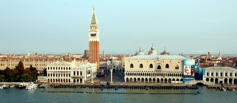 Venetië hierboven wordt gezien die van stock afbeeldingen