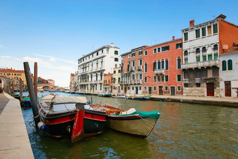 Venetië, Italië - Augustus 14, 2017: Waterkanalen van Venetië royalty-vrije stock afbeeldingen