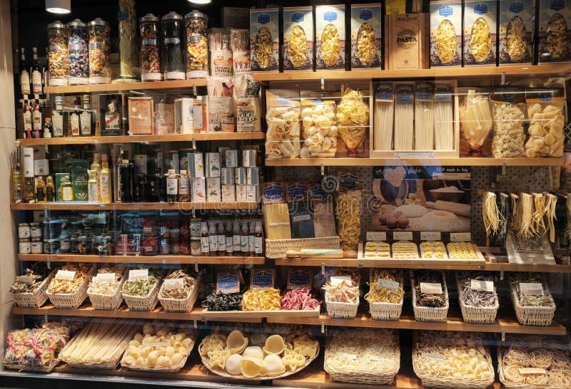 Venetië, Italië, de winkel van Showcasedeegwaren in Venetië stock foto's