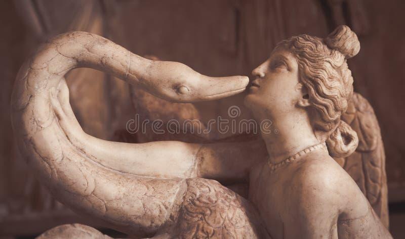 VENETIË, ITALIË - JUNI 27, 2016: Leda en het Zwaanstandbeeld in Palaz stock fotografie
