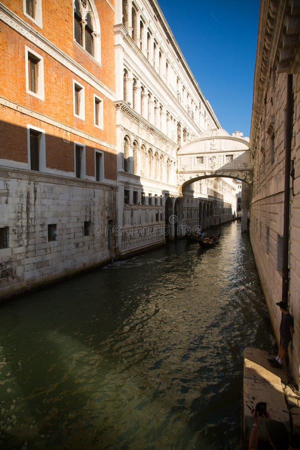 Venetië Italië 8 september, 2018 Historische huizen van Grand Canal in Venetië stock foto's