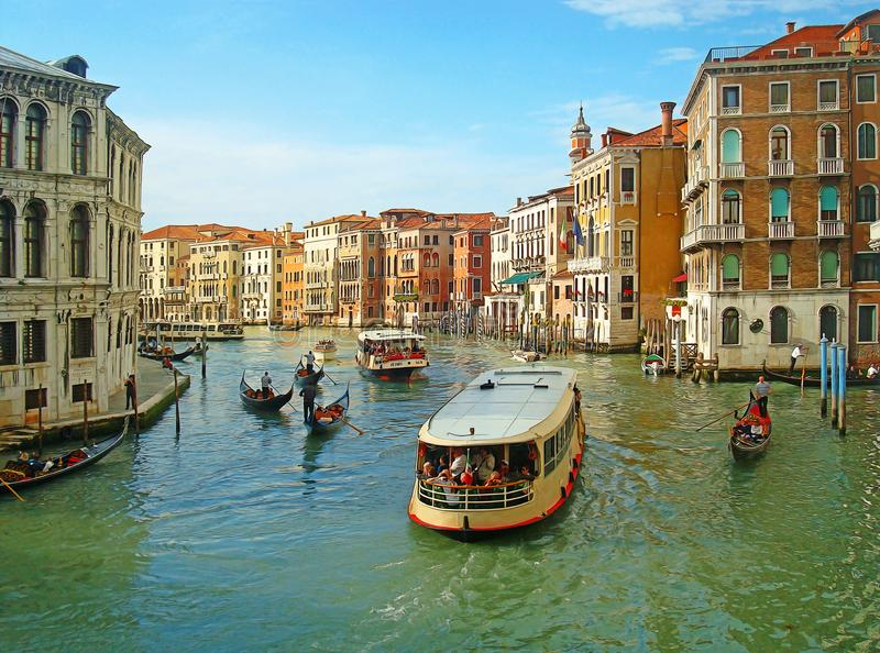 Venetië Kleurrijke mening met zachte olieverfschilderijfilter stock foto's
