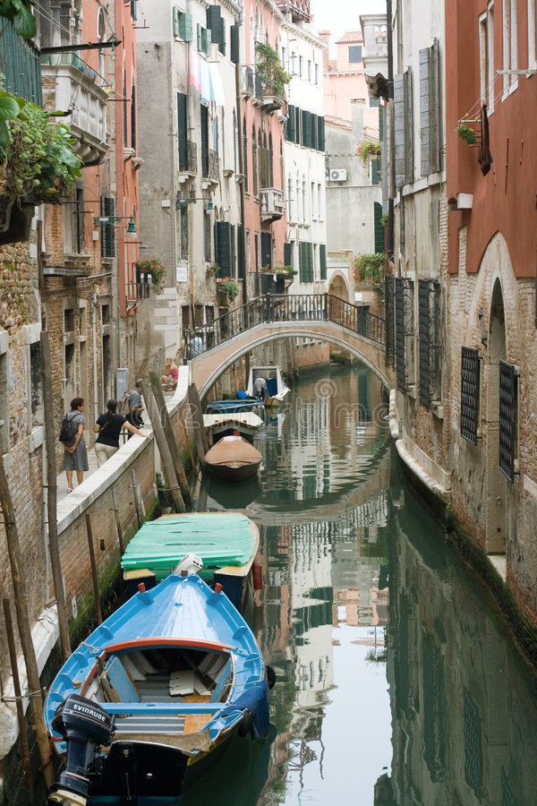 Venetië. Mening over een klein kanaal. royalty-vrije stock afbeelding
