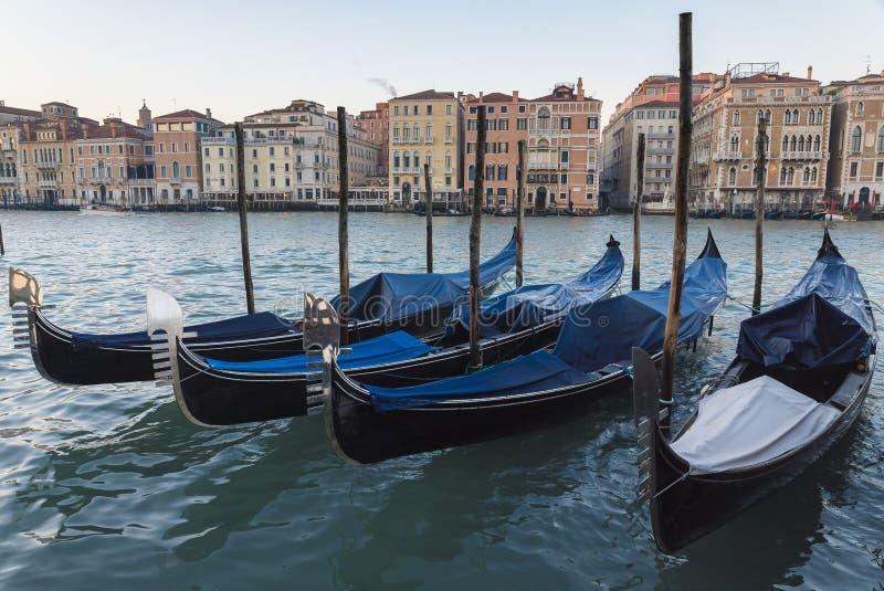 Venetië, mening van het grote kanaal met gondel royalty-vrije stock fotografie